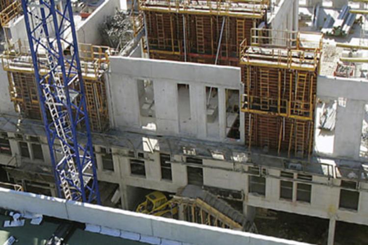 En construction : la nouvelle succursale « haute qualité environnementale » d'Avignon