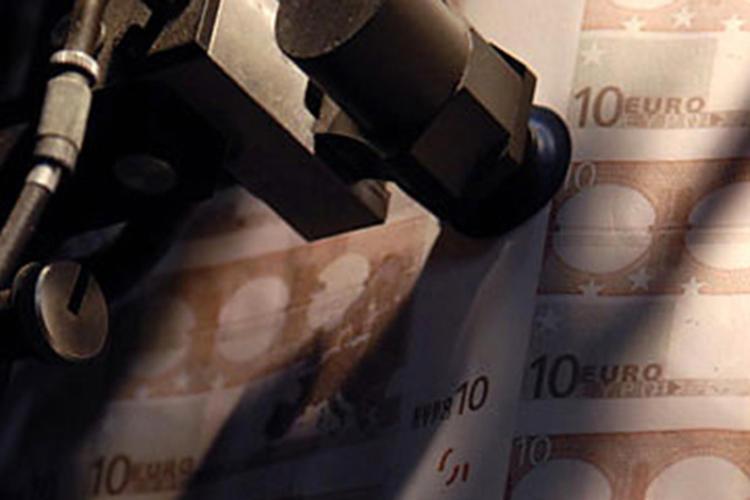 Impression en feuilles des billets de 10 euros. Imprimerie de Chamalières